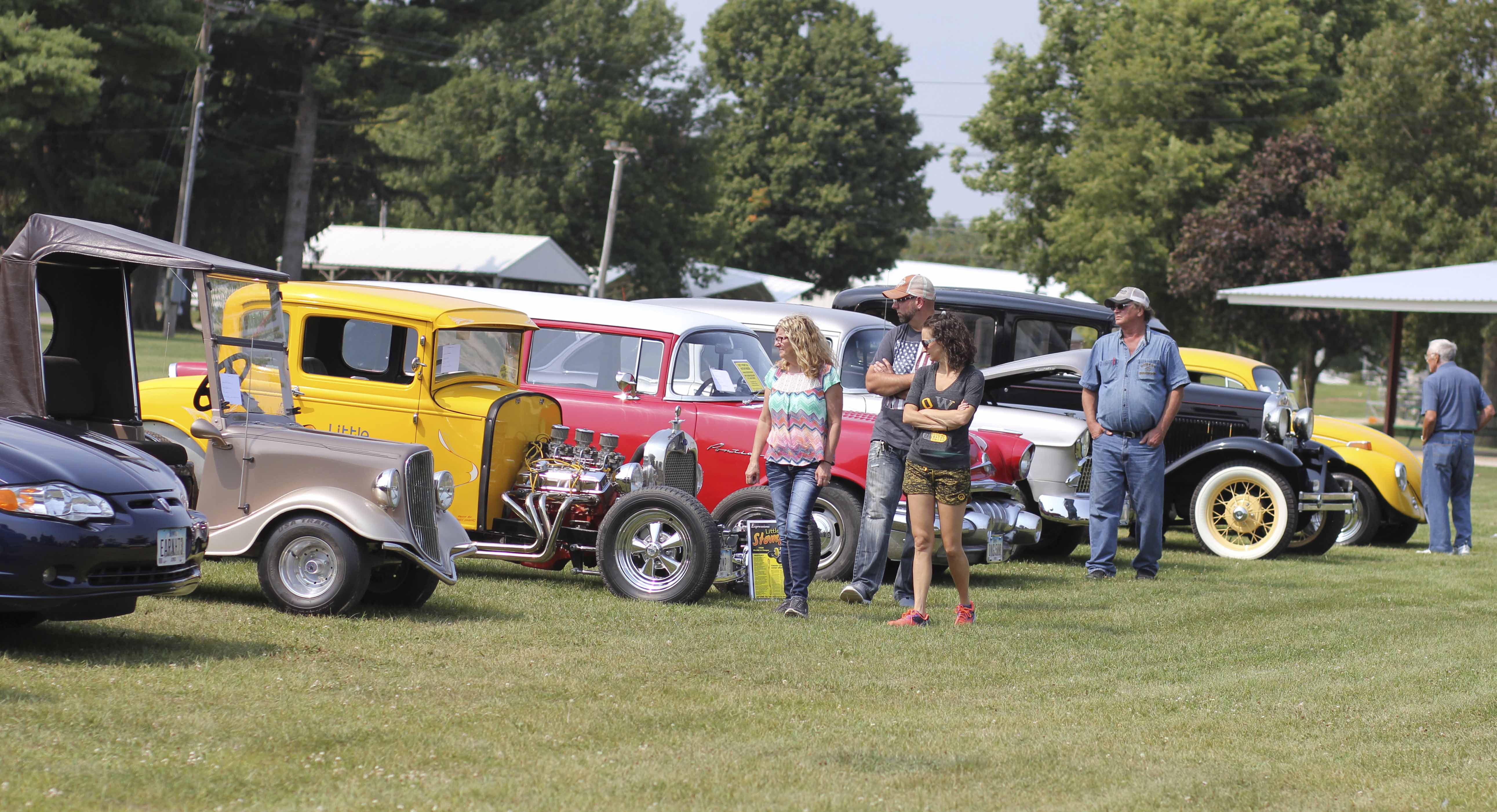 Classic cars line up near the Monticello Golf Club for Cruise to the Club Sept. 2. Golf, food and drinks, prizes and awards, and the Original Rock and Roll Show were all part of the event. (Photos by Pete Temple)